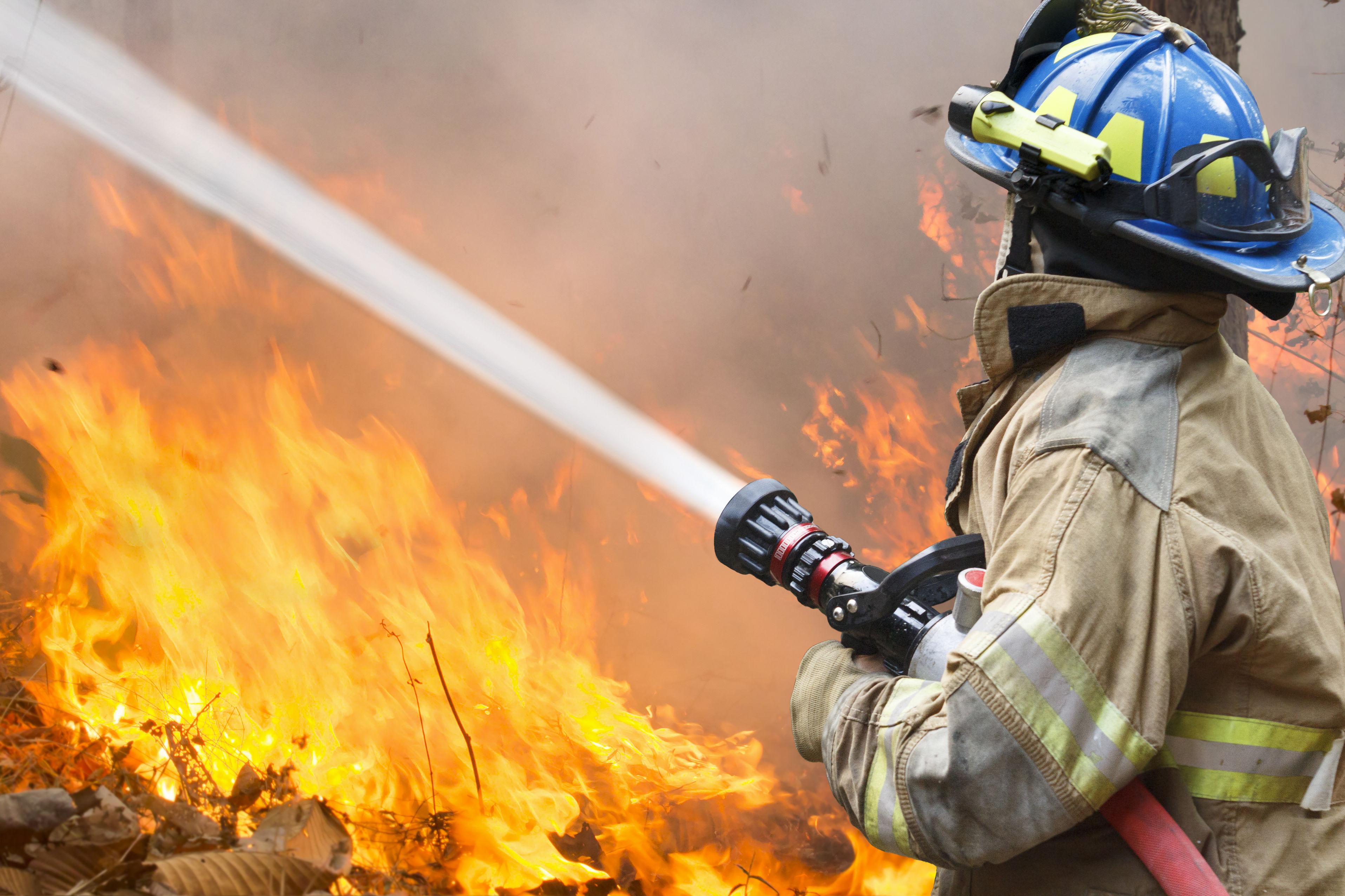 картинки вода тушит огонь